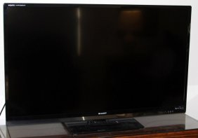 """Sharp Aquos Quattron 60"""" Tv"""