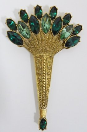 Costume Jewelry Pins And Broaches (102)