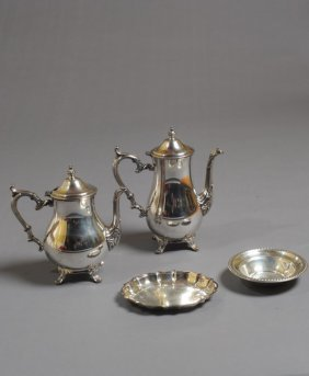 W.m. Rogers Silverplate Footed Teapot & Coffeepot