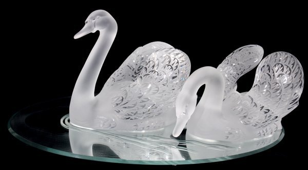 032033 Lalique Frosted Crystal Swans Miroir Cygnes