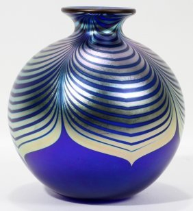 STEVEN CORREIA, STUDIO ART GLASS VASE,
