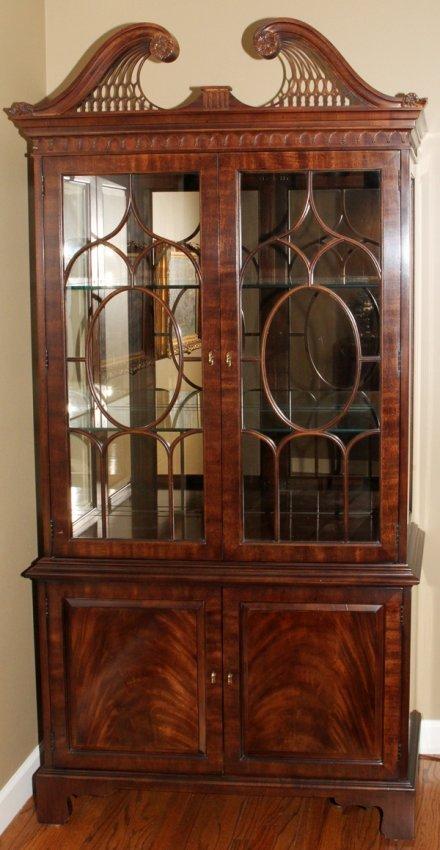 henredon mahogany china cabinet 2