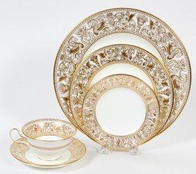Wedgwood 'gold Florentine' Porcelain Dinner Set