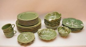 28 Pieces Green Portugal Dinnerware.