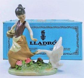 Lladro Spain Porcelain Figure Of Girl W Eggs #1288