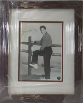 Elvis Presley - Authentic Signed Photo