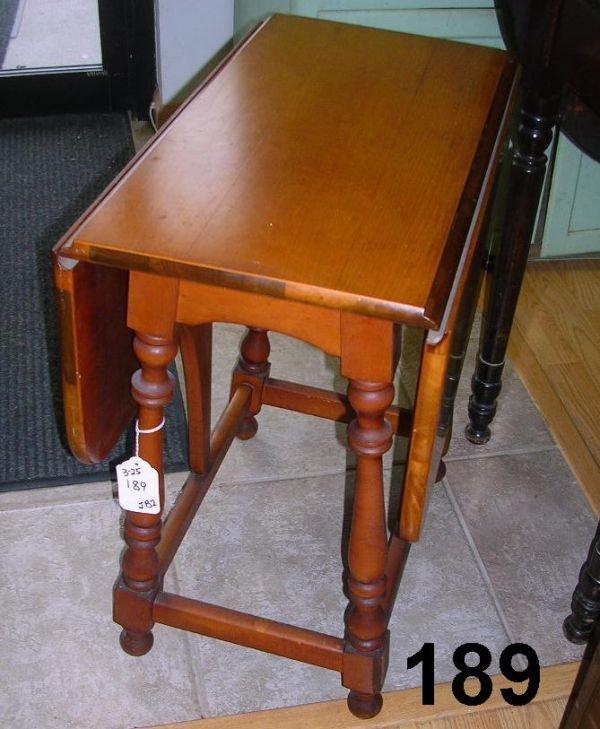 80189 Antique Maple Gateleg Drop Leaf Side Table Lot 80189