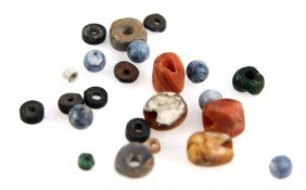 23 SMALL PRECOLUMBIAN BEADS VARYING TYPES