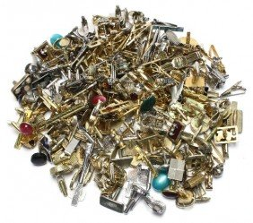 LARGE LOT OF COSTUME CUFF LINKS AND TIE CLIPS