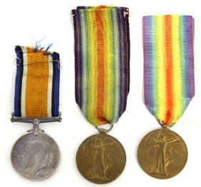 GROUPING OF THREE WWI NAMED MEDALS