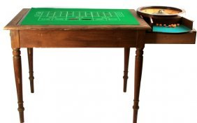 Vintage Game Roulette Table W Game Pieces
