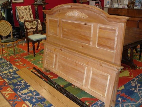 303 Broyhill Fontana Queen Bed Headboard Footboard Lot 303