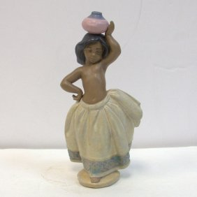 Lladro Porcealin Figuer Little Pheasant Girl White No