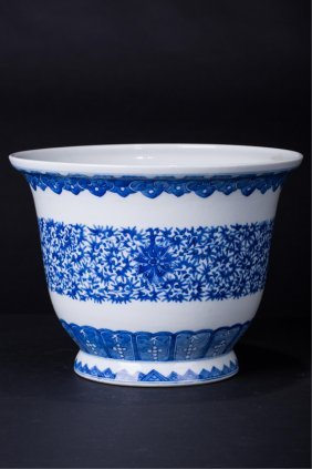 Chinese Blue And White Planters Pot
