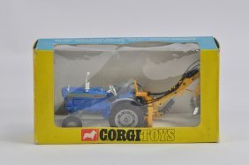 Corgi No. 72 Ford 5000 Super Major Tractor With