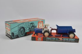 Britains 1/32 Ford 5000 Tractor With Rear Dump Trailer.