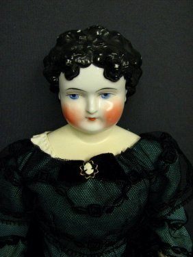 CHINA SHOULDER PLATE DOLL