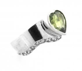 Vintage 14k White Gold Peridot & Champagne Diamond Ring