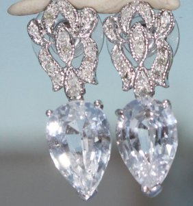 White Pear-shaped Sapphire And Diamond Earrings 14 Kg