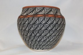 Excellent Native American Acoma Pottery Jar, By I.chino