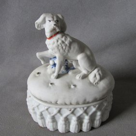 Antique Victorian Fairing Box Spaniel Dog On Tufted