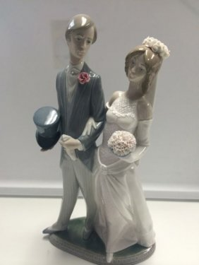 "Lladro Glossy Bride & Groom Figurine 12"" Tall In"