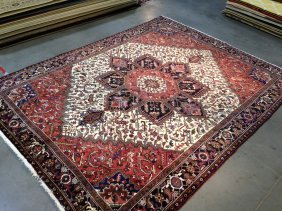 """9'x11' Magnificent Hand-knotted """"heriz"""" Wool Rug"""