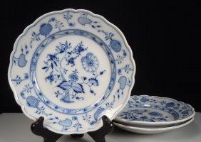 "Meissen Blue Onion 3 Plates 8.25"""