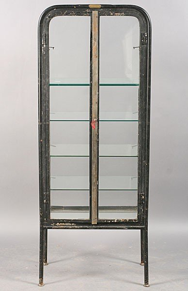 246: VINTAGE INDUSTRIAL METAL VITRINE 2 GLASS DOORS : Lot 246