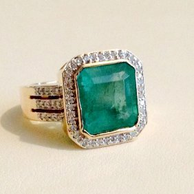 14k Gold 8 Carat Colombian Emerald Diamond Ring