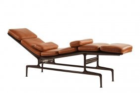 Charles Eames Chaise Lounge