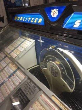 Wurlitzer Jukebox C1959 2300s