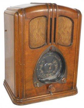 Zenith Radio, Model 7-J-232, Good Cabinet, Same M