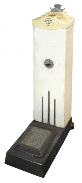 Coin-operated Scale, American Scale Co. Platform Penny