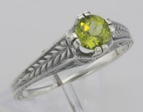 Beautiful Victorian Style Peridot Solitare Filigree Rin