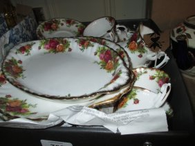 Royal Albert Old Country Rose Pattern Six Place Setting