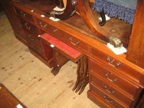 Good Quality Reproduction Mahogany Twin Pedestal Desk