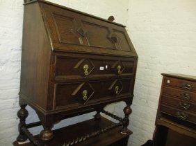Early 20th Century Oak Bureau With A Geometric Moulded