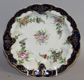 118. An 18th Century Worcester Deep Circular Dish With