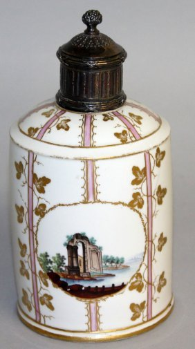 178. An 18th Century Horch Drum Shaped Porcelain Caddy