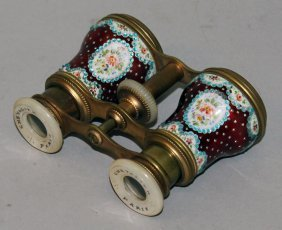 594. A 19th Century Set Of Opera Glasses By Chevalier,