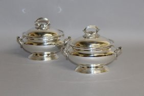 906. A Pair Of Oval Tureens And Covers.