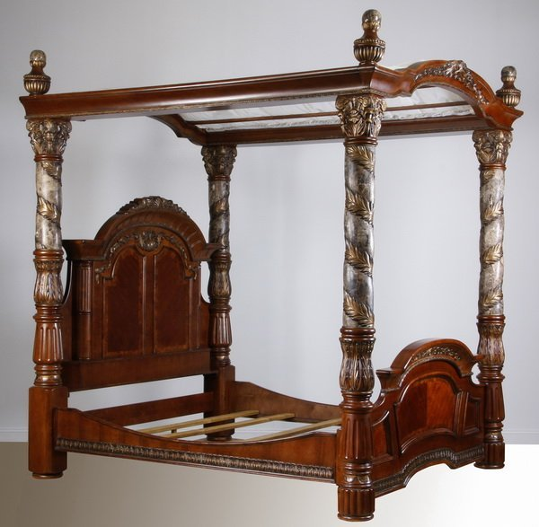 133 Venetian Rococo Inspired King Size Canopy Bed Lot 133