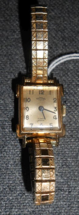 Vintage 14kt Gold Ladies Continental Geneva Watch