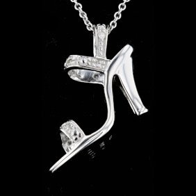 10 Karat White Gold 0.09ct Diamond Pendant