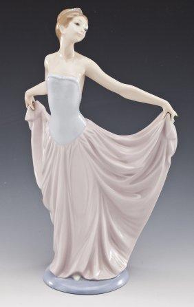 Lladro Dancer Figurine #5050