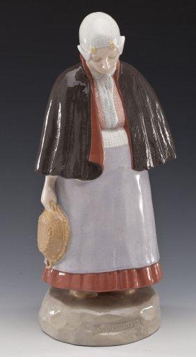Zuid Holland Gouda Pottery Figure Of A Woman