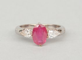 An 18ct Golden Ring Set With Two Pear-shaped Cut