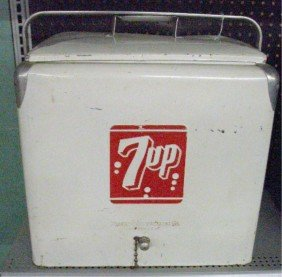 1950's 7-Up Picnic Cooler