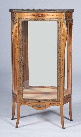 Louis XV-style Vernis Martin Vitrine�